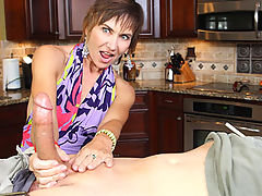 Over 40 mom Lilian Tech handjobs one giant dick when she catched her young step son jerking off in hs bedroom.