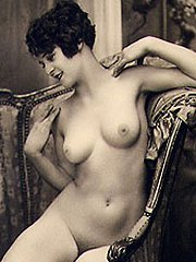 Sexy vintage chicks posing naked in twenties
