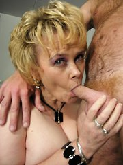 Kinky mature couple sucking and fucking