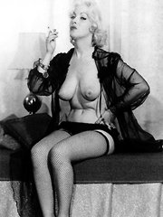 Sensual model from the fifties showing it all