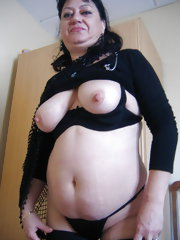 Meet Rous a hot and horny mature slut loving to get nasty