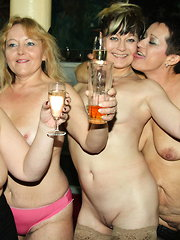 An all women sexparty gangbang