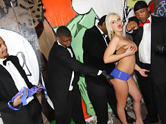 Andi Anderson @ Interracial Blowbang