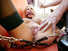Diamond Foxxx Tied-up and Abandoned